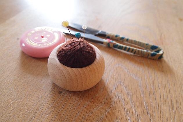 pincushion ピンクッション 挽物 針山 針刺し